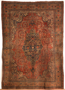 Feraghan oriental carpet, ca. 1900, with central m