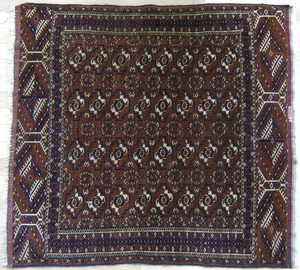 Turkoman mat and throw rug, early 20th c., 3'5