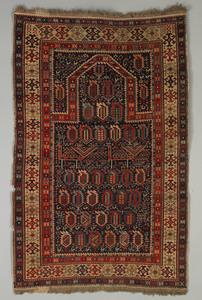 Shirvan prayer rug, late 19th c., with Akstafa typ