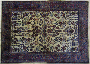 Roomsize Sarouk rug, ca. 1930, with floral pattern