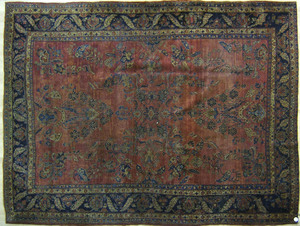 Roomsize Sarouk rug, ca. 1920, with floral pattern