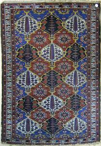 Baktiari throw rug, ca. 1930, with repeating medal
