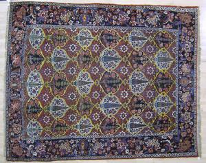 Roomsize Baktiari rug, ca. 1930, with repeating me