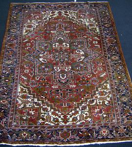 Roomsize Heriz rug, ca. 1950, 11'4