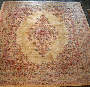 Semi antique Kirman rug, 9'10