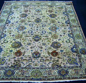 Roomsize Indo-Tabriz rug, ca. 1940, with overall f