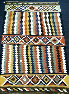 Kilim throw rug, 9'4