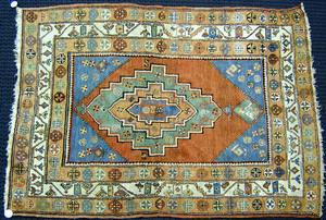 Turkish throw rug, ca. 1940, 6'4