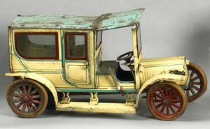Carette painted tin limousine, early 20th c., 15