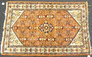 Hamadan throw rug, ca. 1950, 3'5