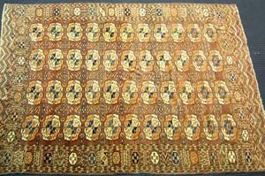 Roomsize Bokhara rug, ca. 1925, with repeating med