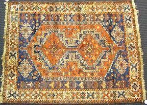 Hamadan throw rug, ca. 1930, with 2 medallions on