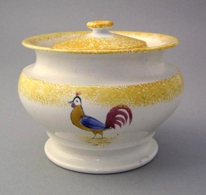 Yellow spatter covered sugar with rooster, 4 1/2