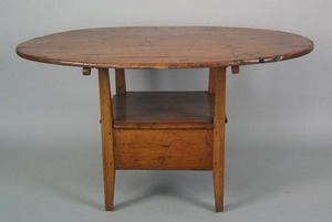New England pine chair table, ca. 1810, the oval t