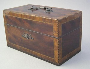 Regency mahogany tea caddy, ca. 1800, with overall