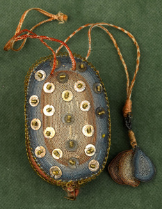 Unique English sweetmeat purse, early 17th c., inh