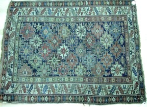 Anatolian throw rug, ca. 1910, with repeating cent