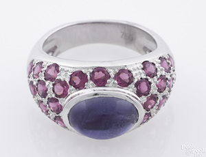 18k white gold and sapphire ring