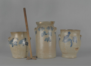 Three blue decorated stoneware crocks, 19th c., ta