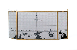 Brass and wire firescreen with fox hunt scene, ini