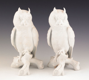 Pair of Kaiser white bisque owls, 9 1/4