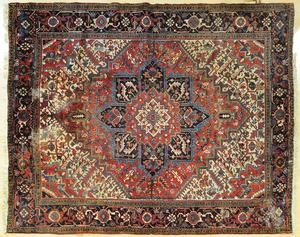 Heriz carpet, mid 20th c., 9' 3