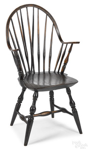 New England continuous arm Windsor chair