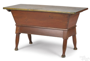Pennsylvania pine dough box table, early 19th c.