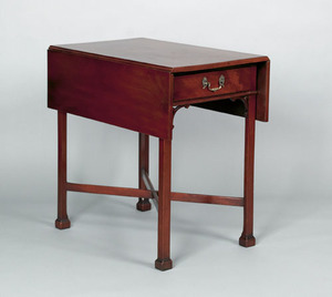 Philadelphia Chippendale mahogany Pembroke table,a