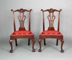 Pair of Delaware Valley Chippendale walnut diningh