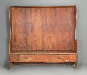 English painted pine settle, late 18th c., the cur