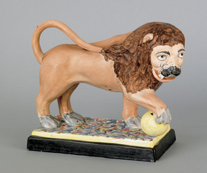 Staffordshire pearlware figure of a lion, early 19