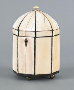 English ivory and tortoise shell tea caddy, ca. 18