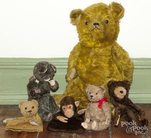 Group of vintage teddy bears