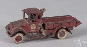 Arcade cast iron International Harvester truck