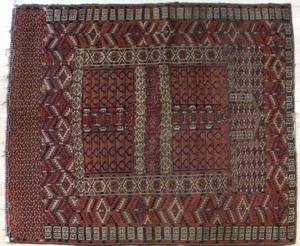 Turkoman carpet, early 20th c., 4'6