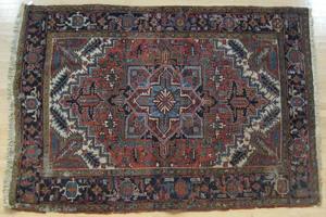 Heriz carpet, ca. 1930, 8' 8