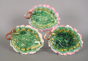 Three Etruscan majolica oak leaf bread trays, lat