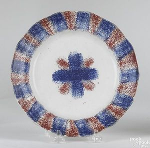 Red and blue rainbow spatter crisscross paneled pl
