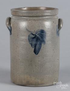 Pennsylvania or Virginia stoneware crock