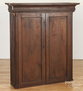 Pennsylvania Chippendale mahogany bookcase top