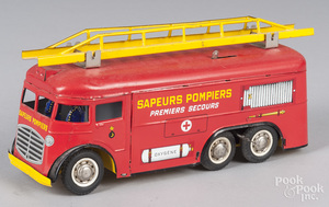 French Joustra tin litho wind-up fire ladder truck