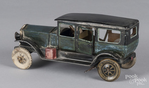 Karl Bub tin clockwork limousine