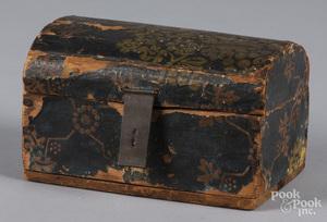 Wallpaper dome lid dresser box