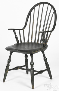 New England continuous arm painted Windsor chair