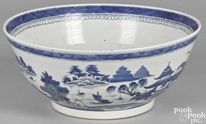 Chinese export porcelain Canton punch bowl