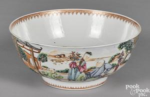 Chinese export porcelain Mandarin palette bowl