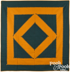 Bold Pennsylvania patchwork diamond in a square quilt