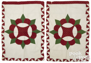 Pair of patchwork star variant pillow shams