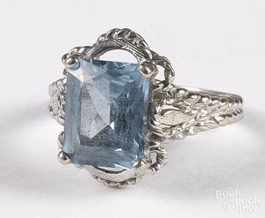 14K white gold and aquamarine ring, 2.4 dwt.